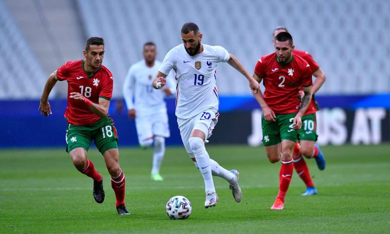 Benzema porta palla contro la Bulgaria