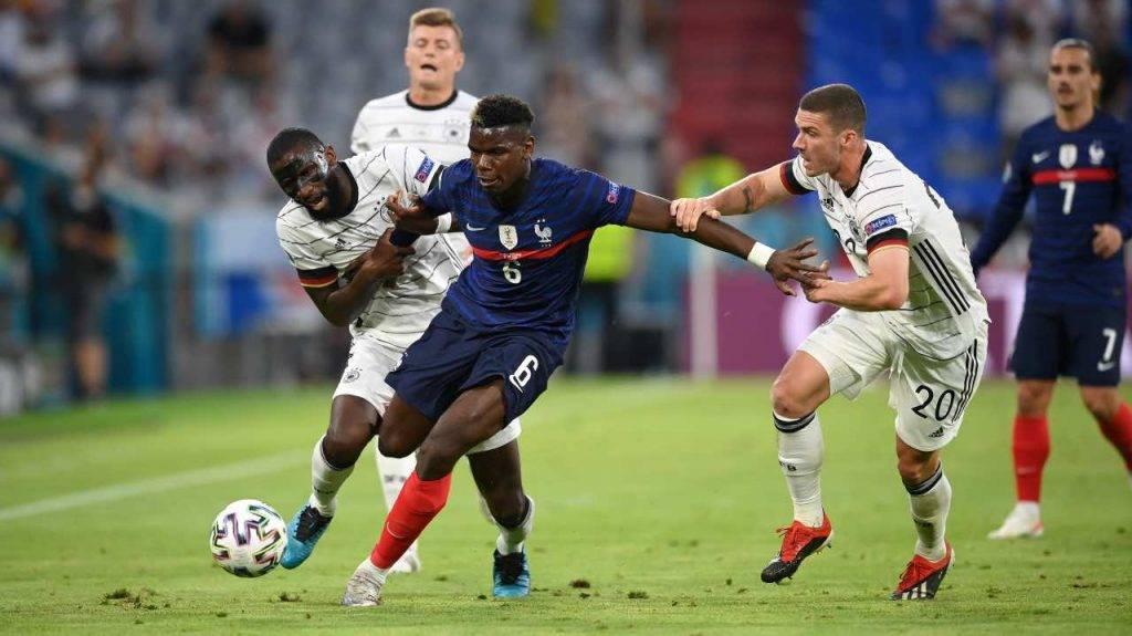 Paul Pogba in azione contro la Germania