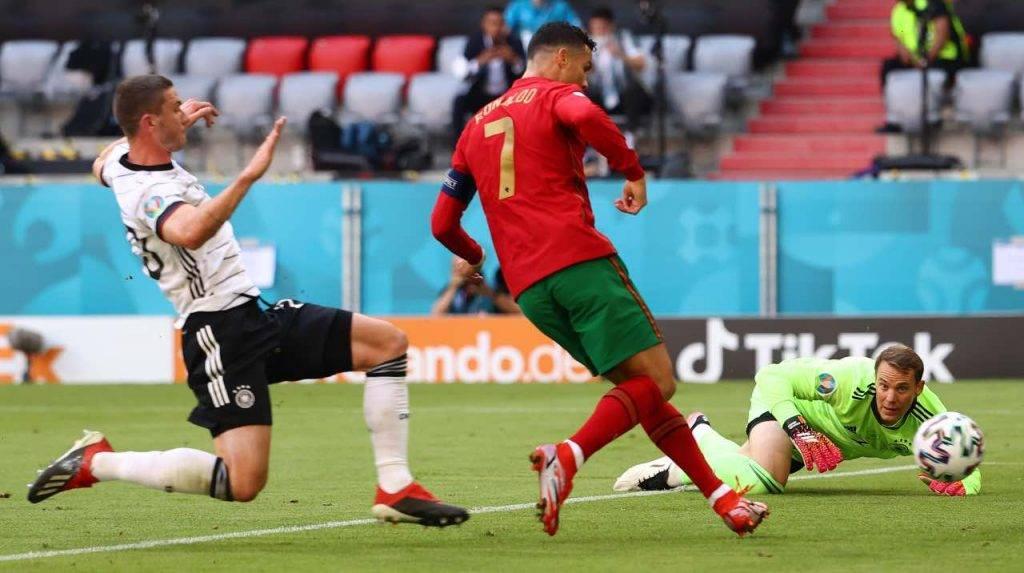 Cristiano Ronaldo segna alla Germania