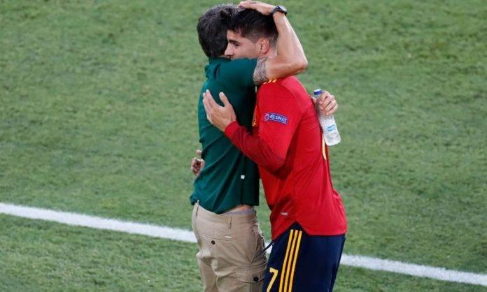 Luis Enrique abbraccia Morata