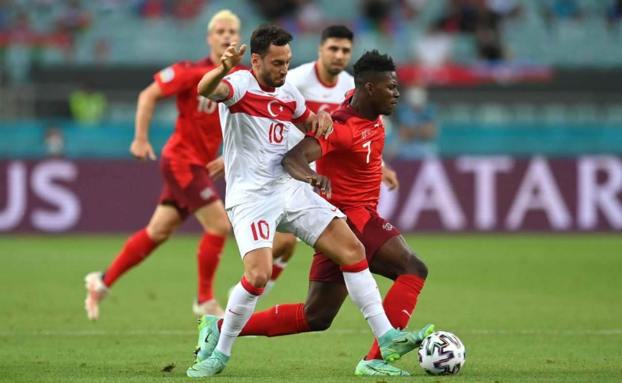 Calhanoglu contro la Svizzera