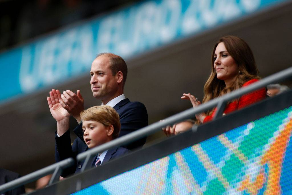Il Principe William applaude