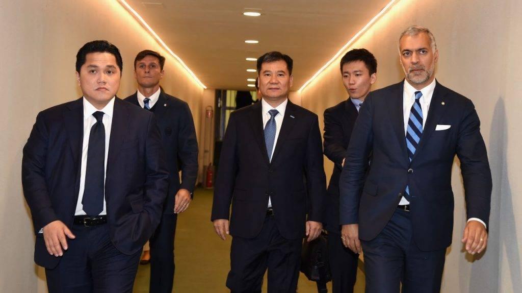Thohir con la famiglia Zhang