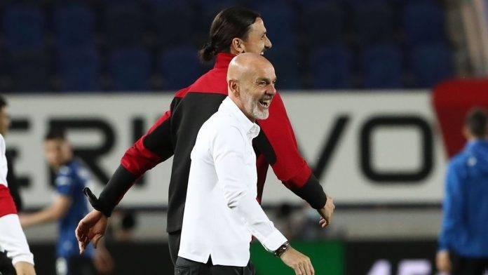 Ibrahimovic e Pioli festeggiano dopo una vittoria del Milan