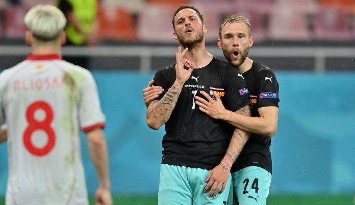 Arnautovic sembra rivolgersi ad Alionski dopo il suo gol