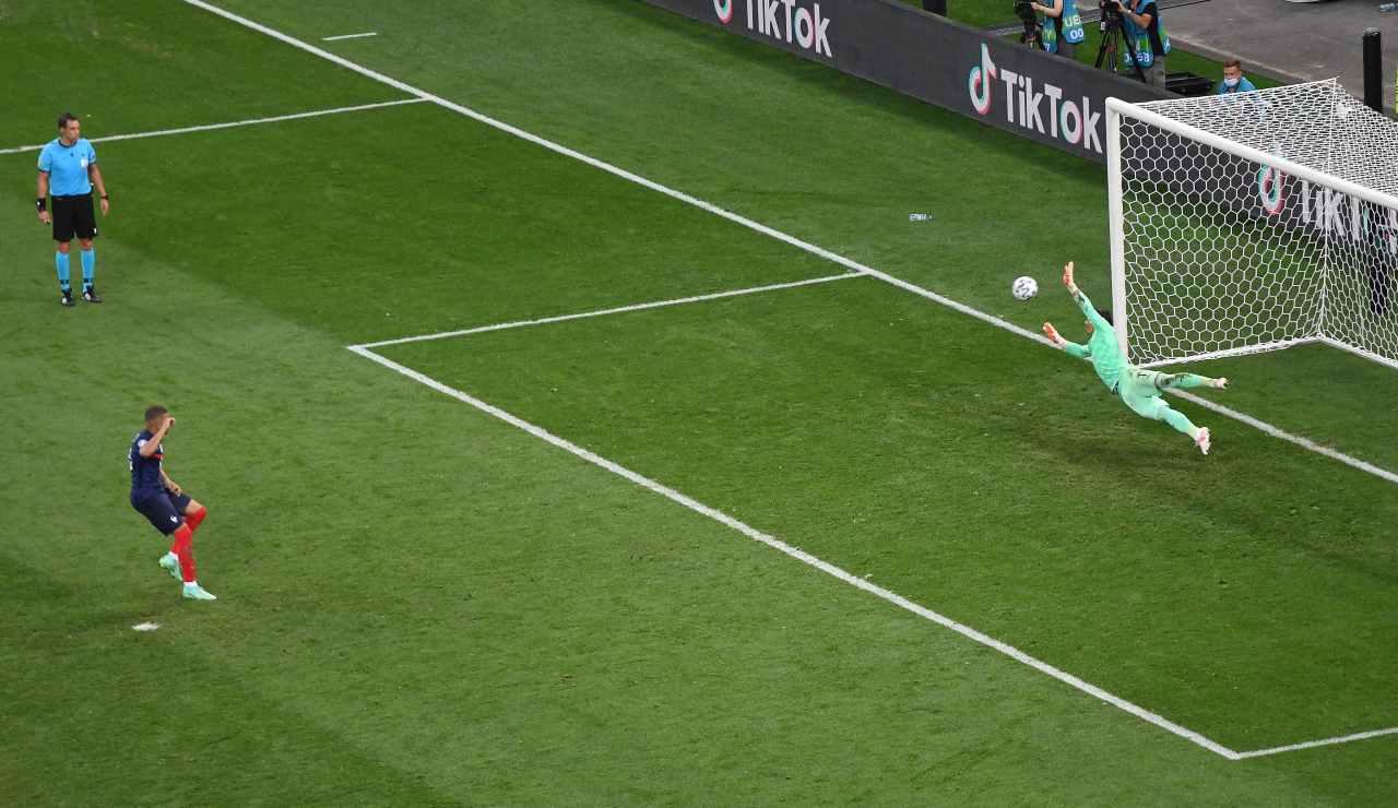 Mbappé sbaglia il calcio di rigore decisivo contro la Svizzera