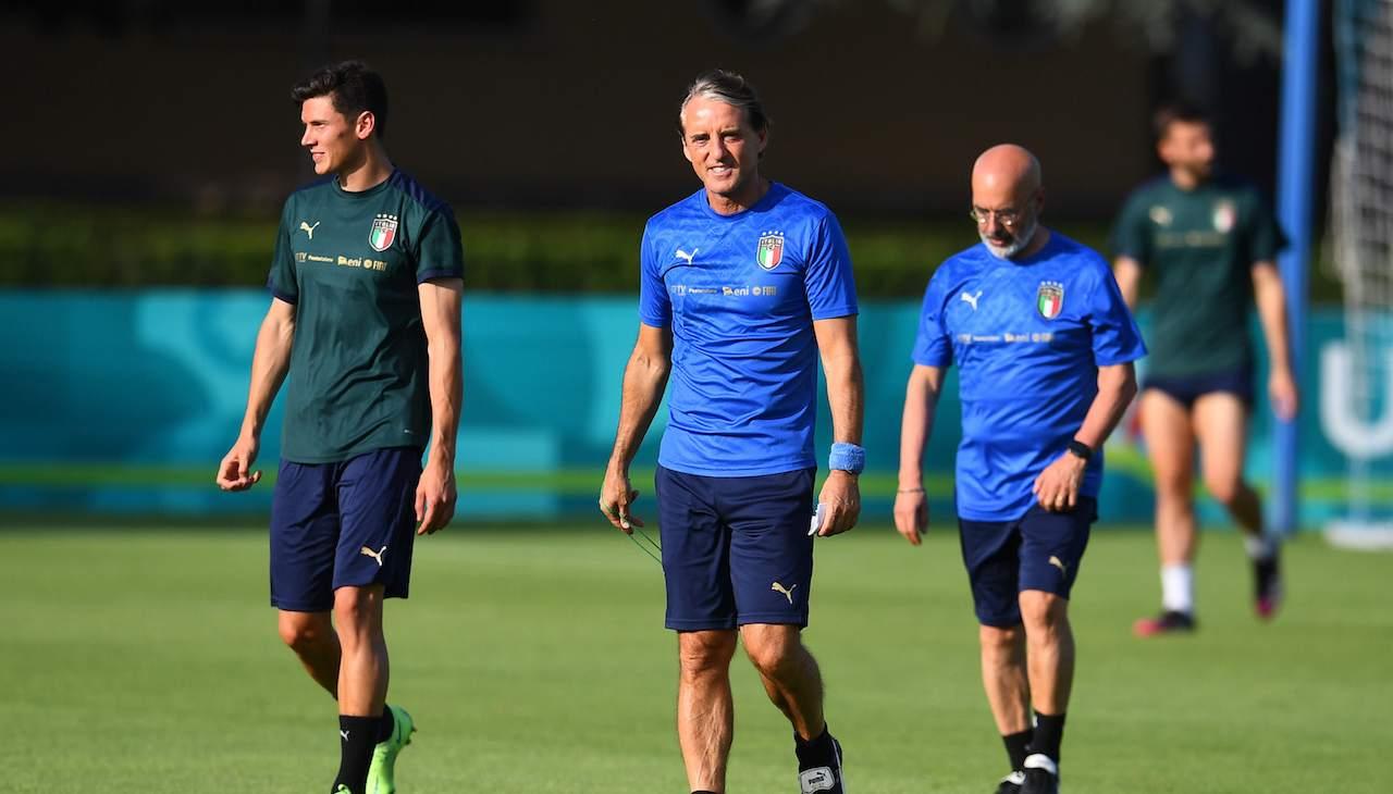 Roberto Mancini in allenamento con l'Italia