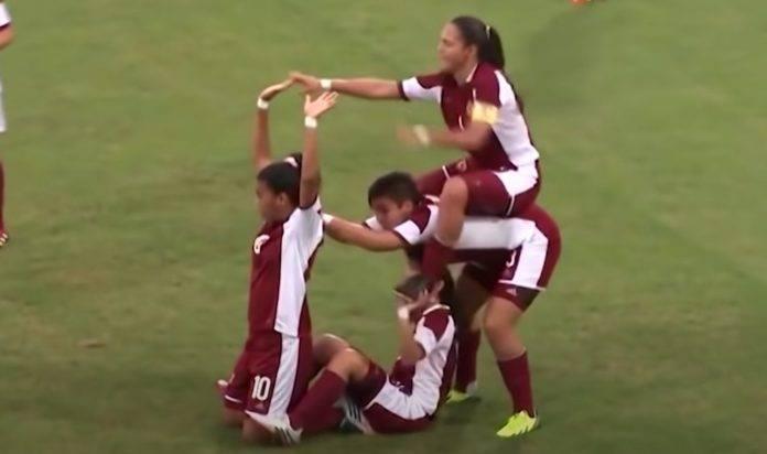 Esultanza calcio femminile