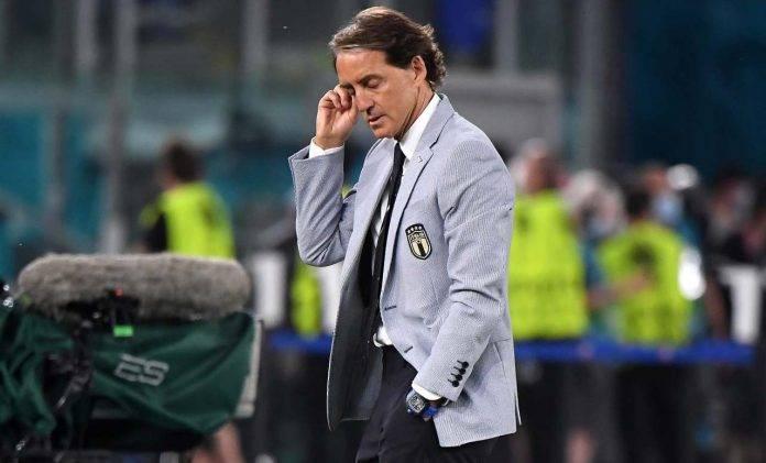 Mancini si tocca la testa