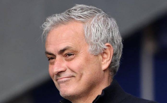 José Mourinho primo piano