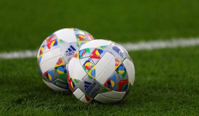 Palloni con il logo Adidas