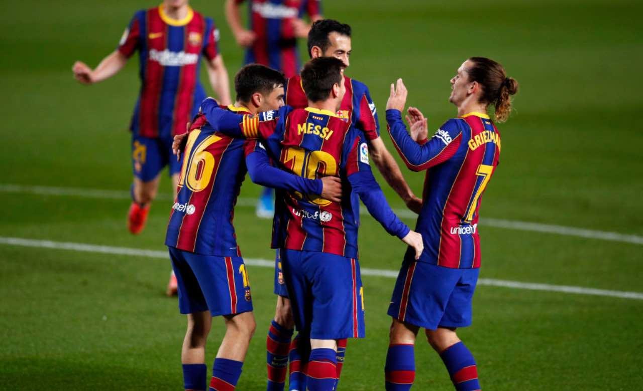Messi festeggia un gol con i compagni