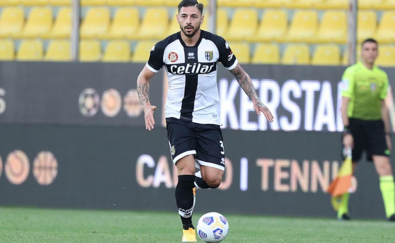 Giuseppe Pezzella in campo col Parma
