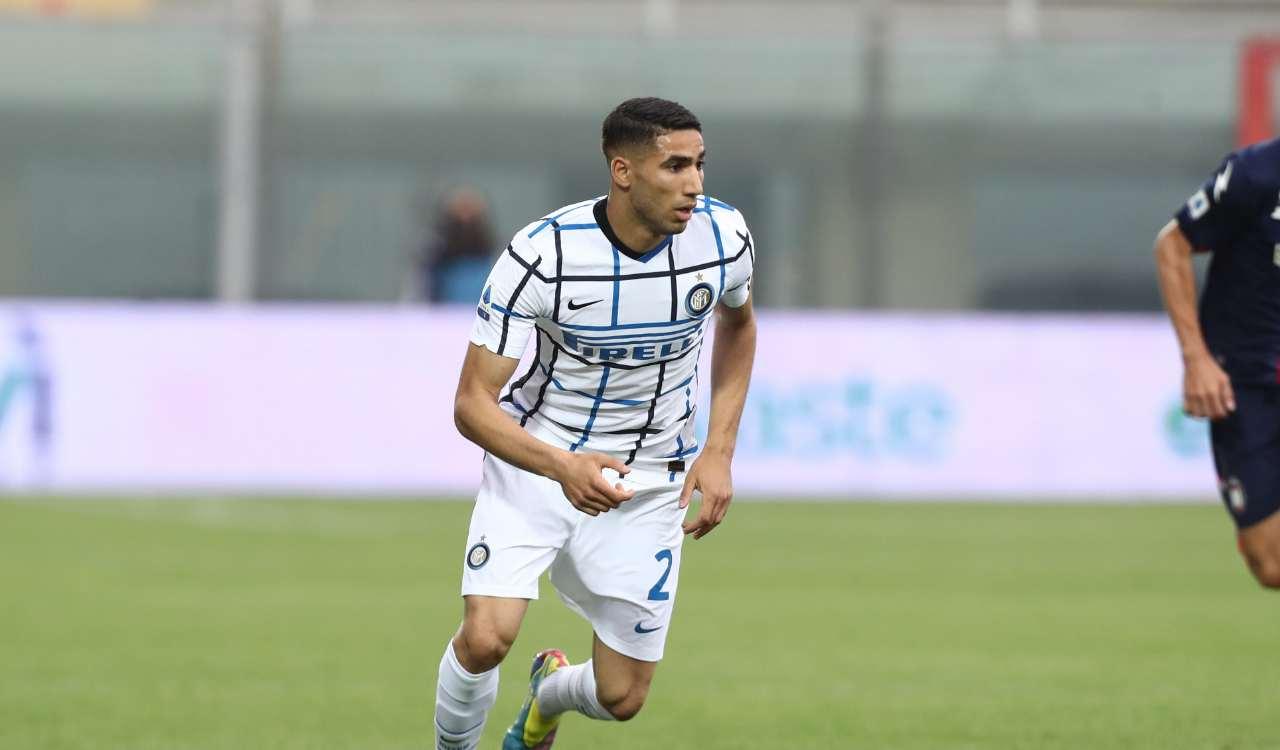Hakimi in azione con la maglia dell'Inter
