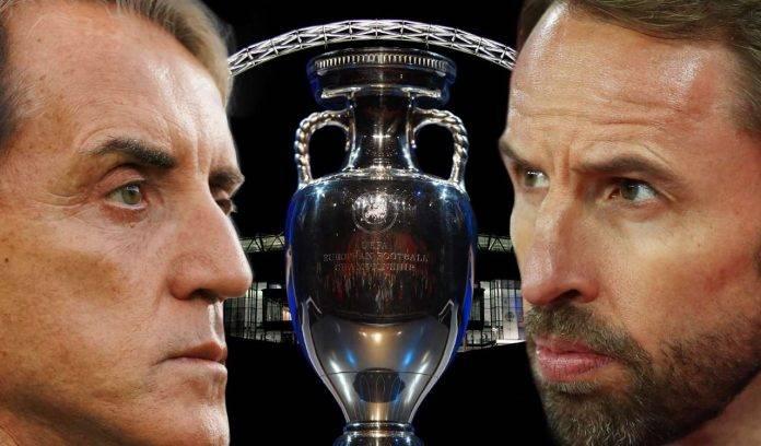Italia-Inghilterra, Mancini e Southgate con la Coppa di Euro 2020