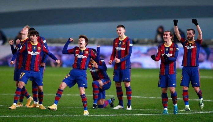 L'esultanza dei giocatori del Barcellona