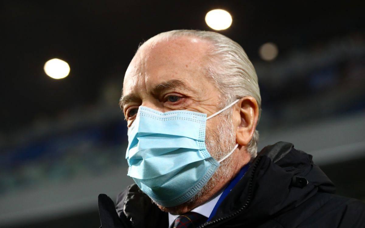 De Laurentiis con la maschera