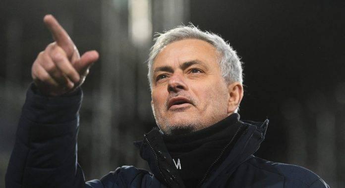 Mourinho indica