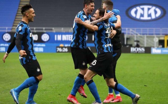 L'esultanza dei calciatori dell'Inter