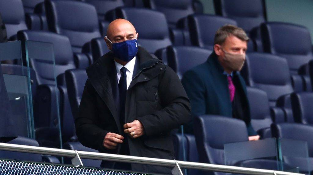 Levy in tribuna