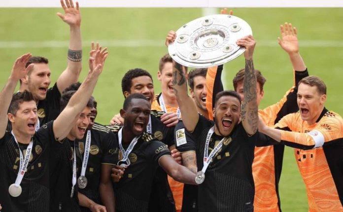Il Bayern festeggia la vittoria del campionato