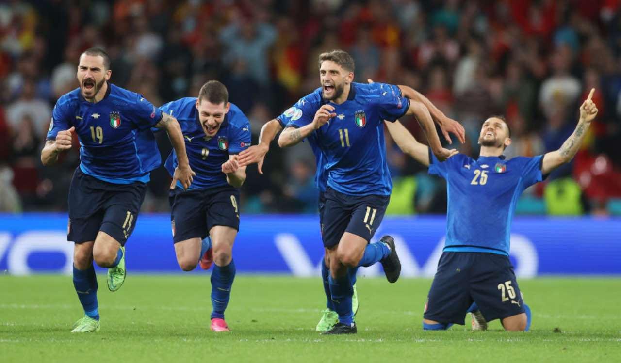 L'Italia festeggia la vittoria contro la Spagna