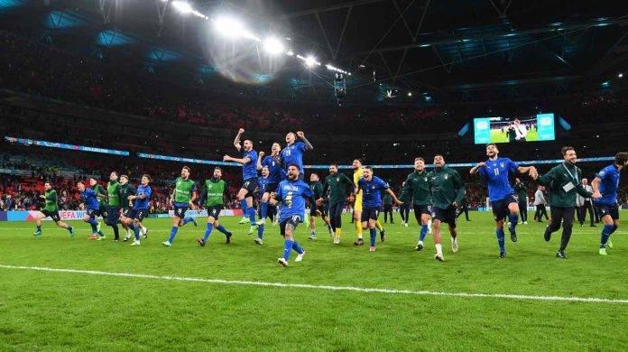 Italia festeggia