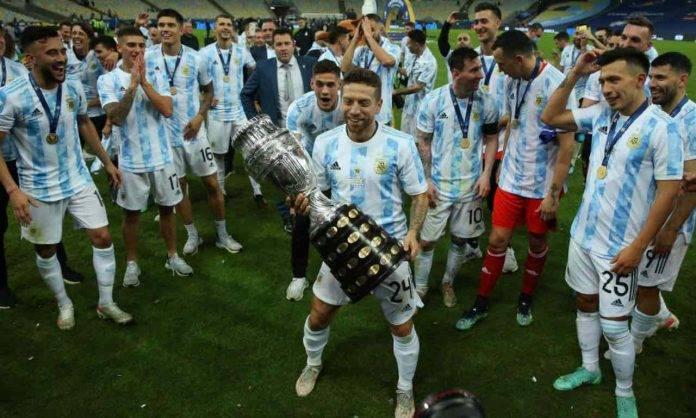 Papu Gomez con la Copa America