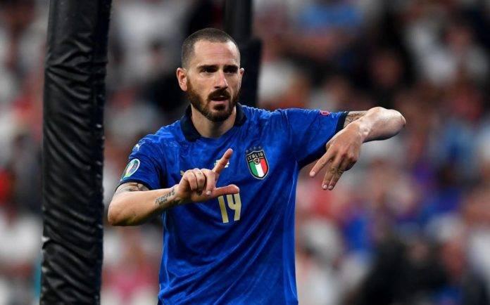 Bonucci esulta dopo il gol all'Inghilterra