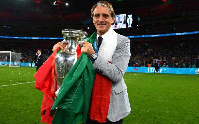 Mancini con la Coppa