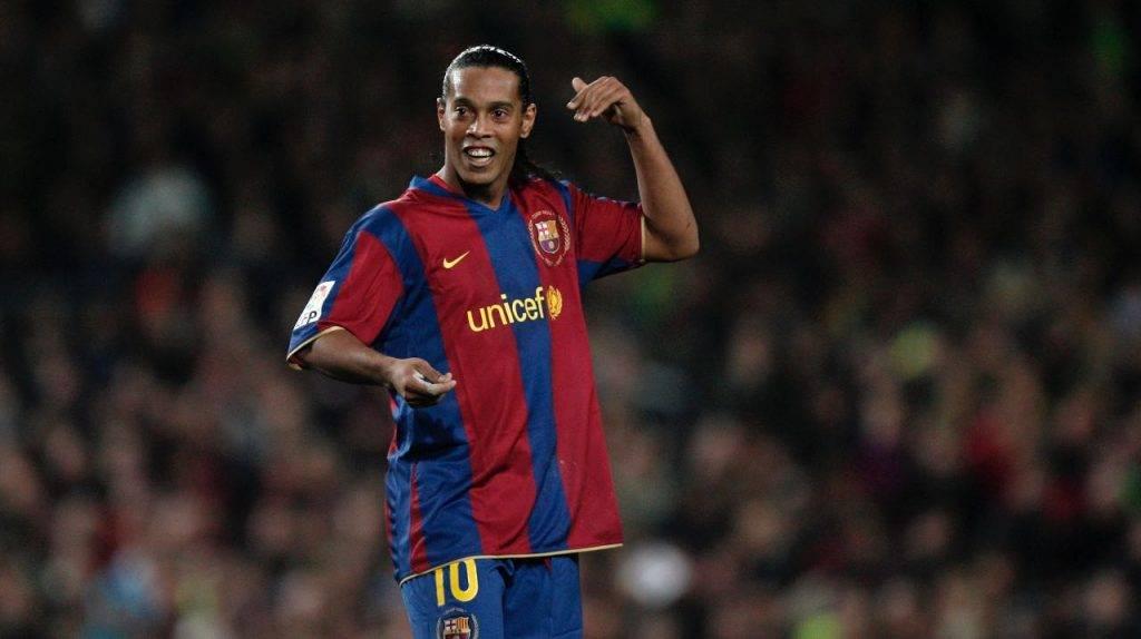 Ronaldinho festeggia