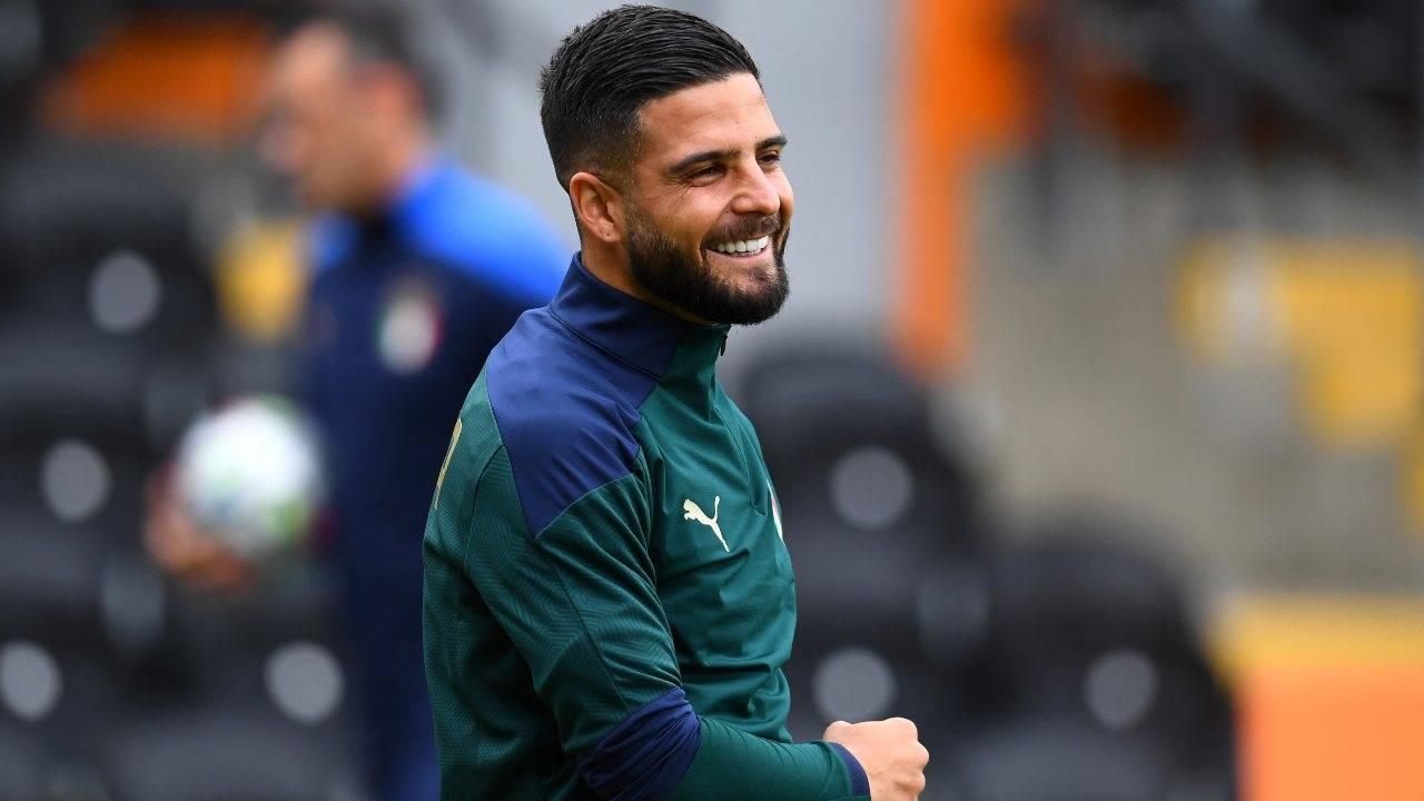 Lorenzo Insigne sorridente in allenamento