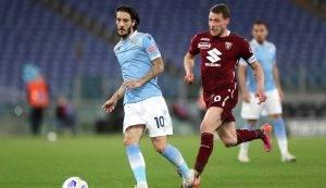 Luis Alberto in azione durante Lazio-Torino