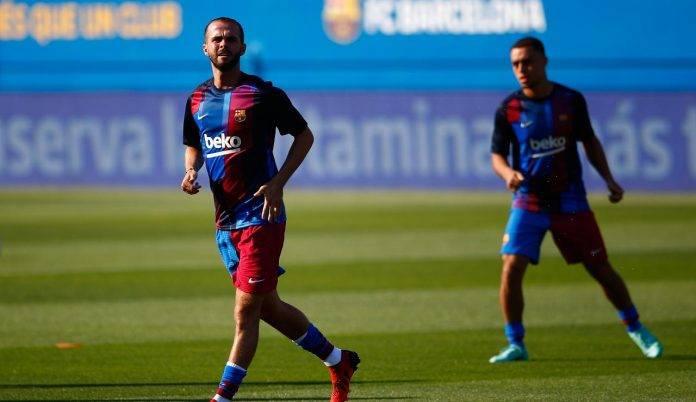 Pjanic in allenamento con il Barcellona