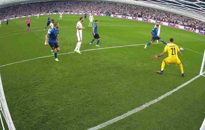 Italia-Inghilterra, il gol di Shaw