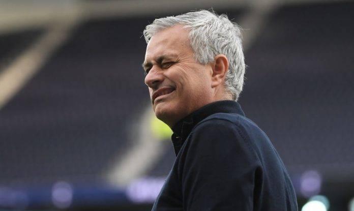 Mourinho fa l'occhiolino
