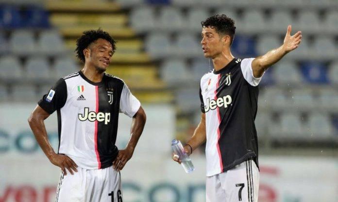 Cuadrado e Ronaldo discutono in campo