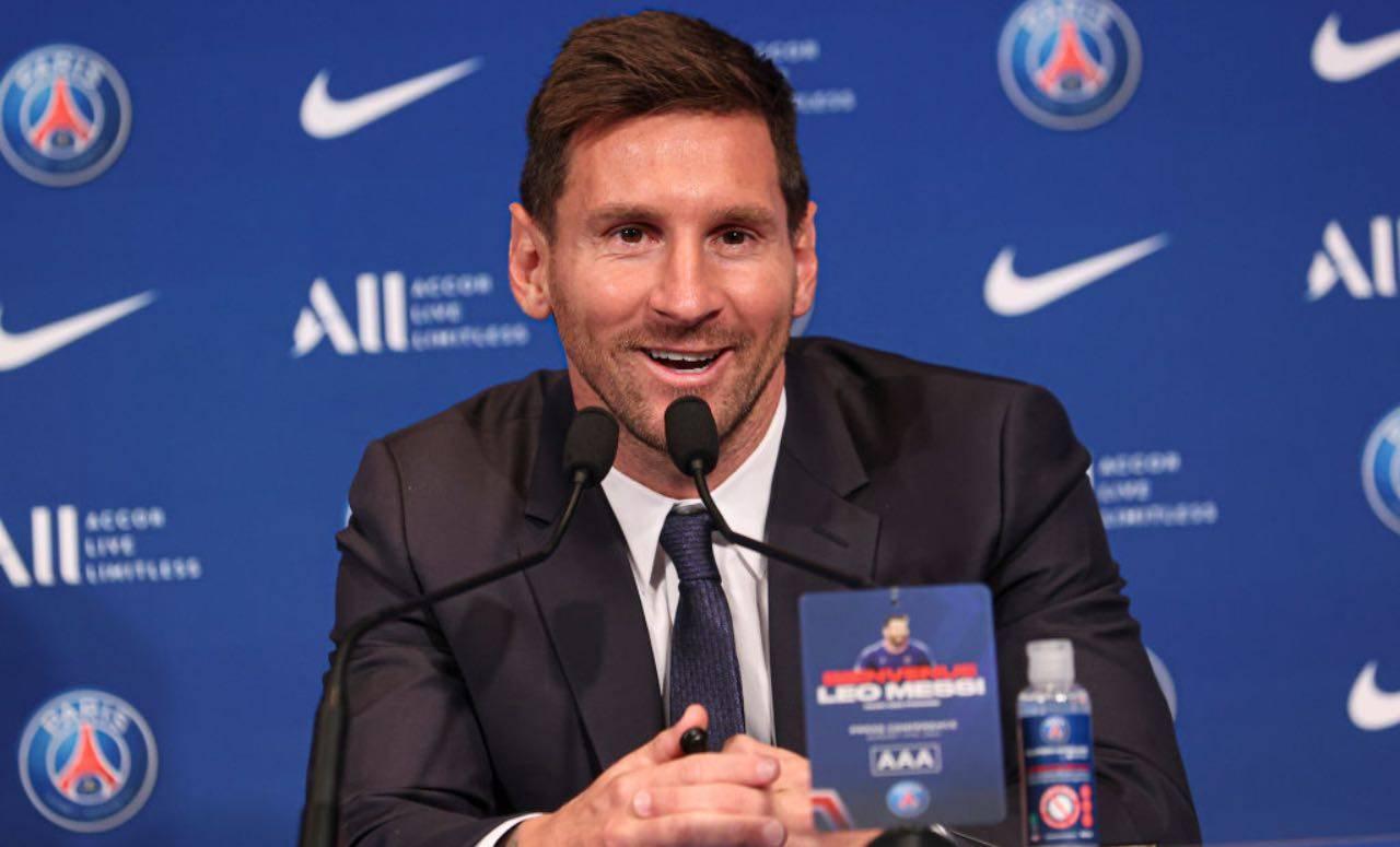 Messi alla conferenza di presentazione al PSG