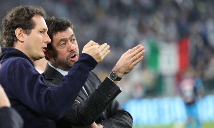 Agnelli ed Elkann discutono durante una partita