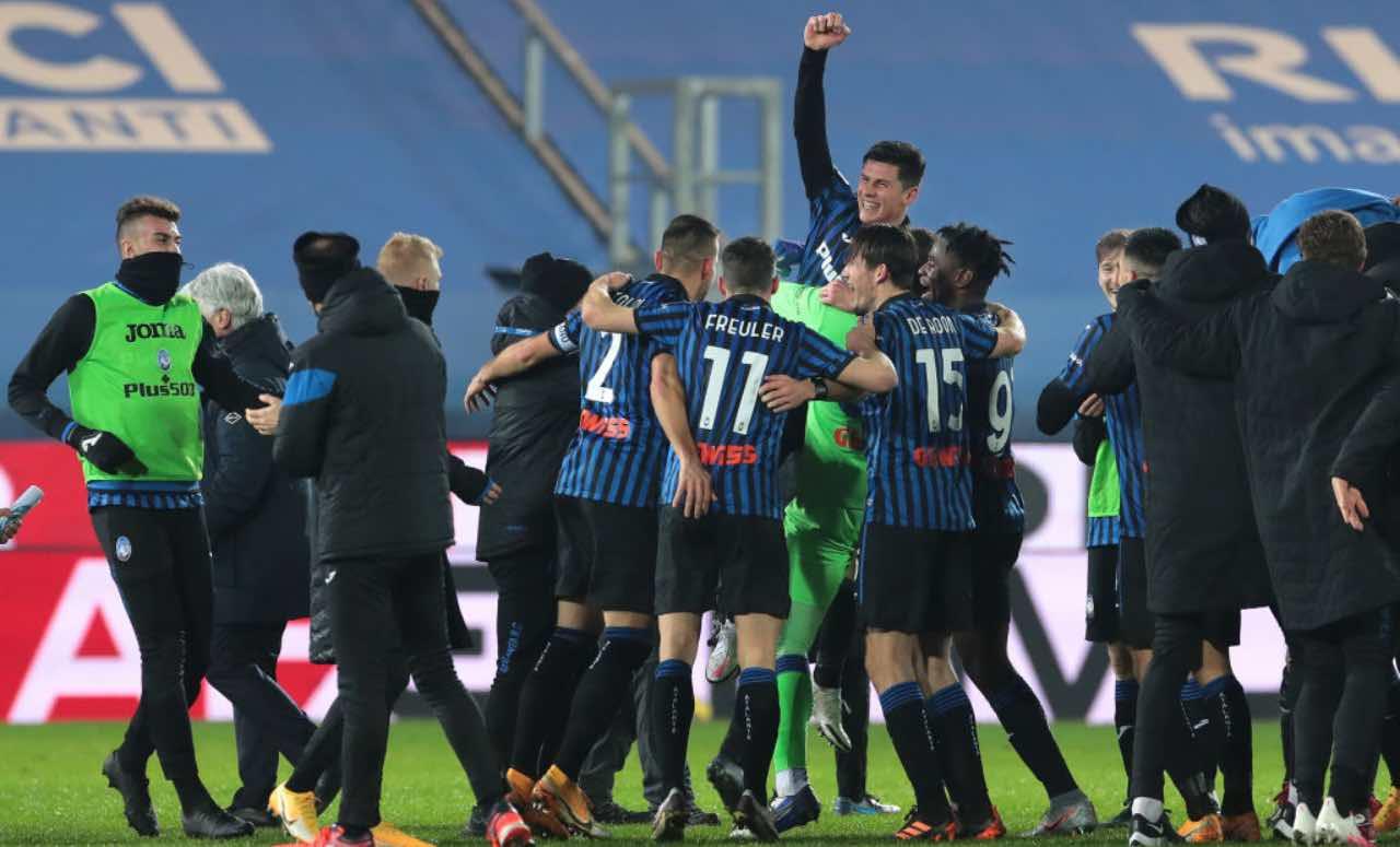 L'Atalanta festeggia dopo una vittoria