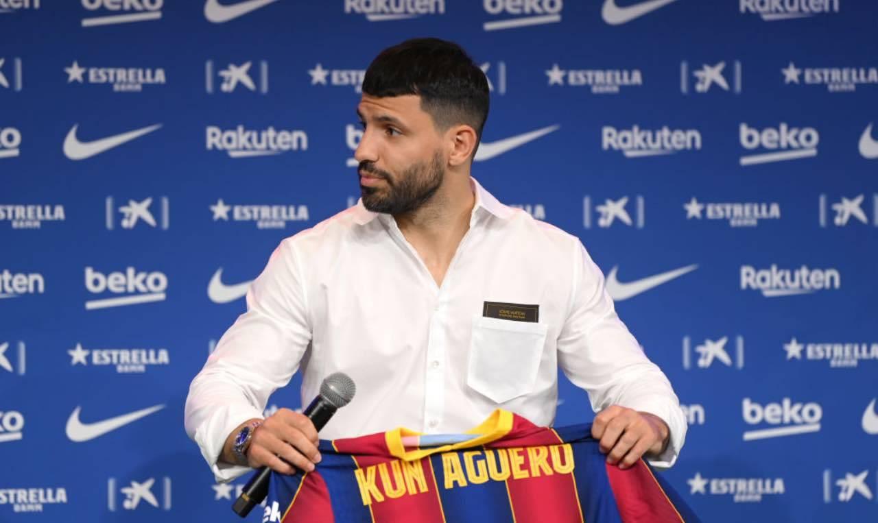 Aguero durante la presentazione al Barcellona