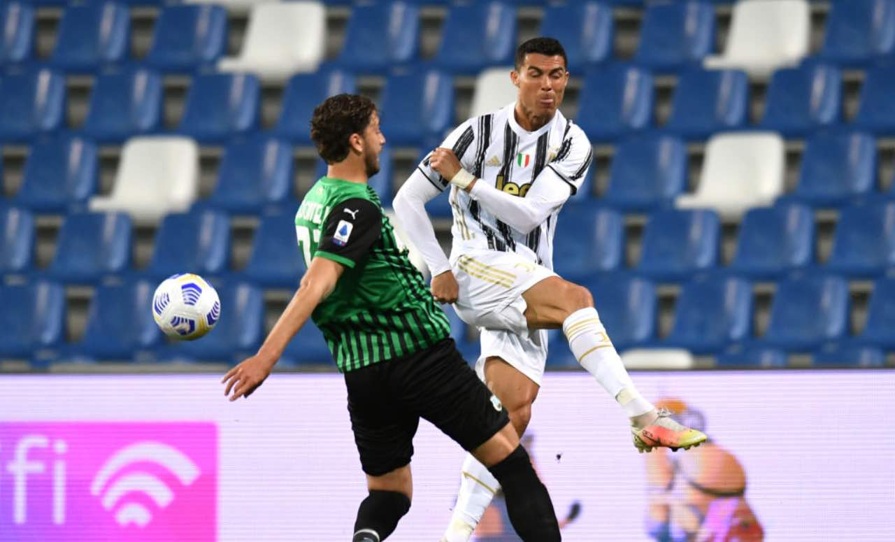 Locatelli contrasta Cristiano Ronaldo