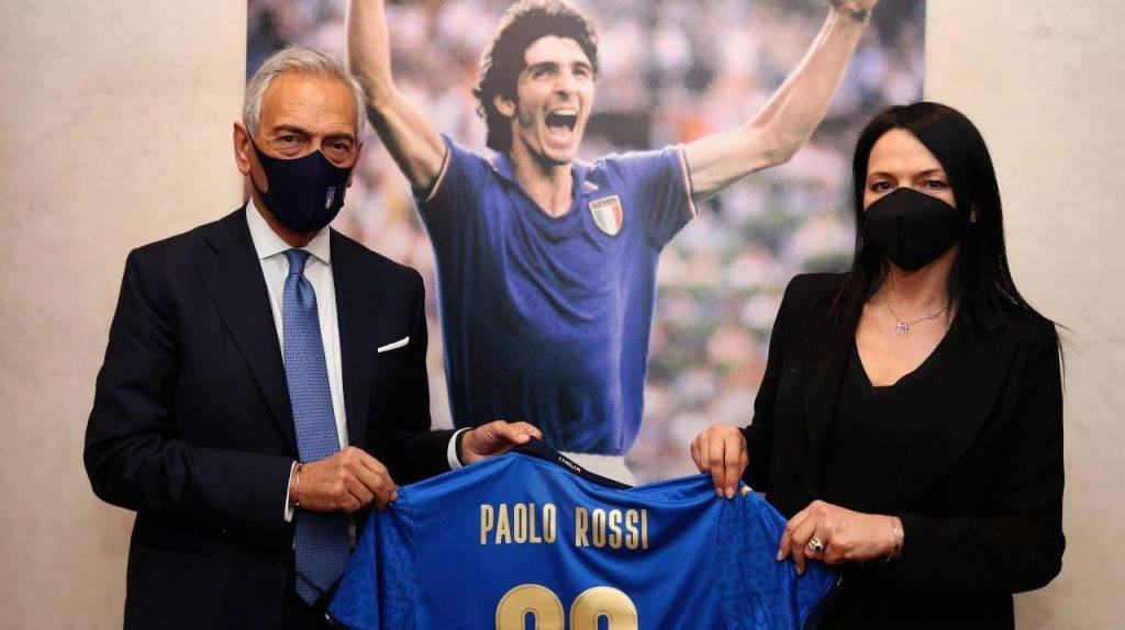 Gravina e Cappelletti con la maglia di Rossi