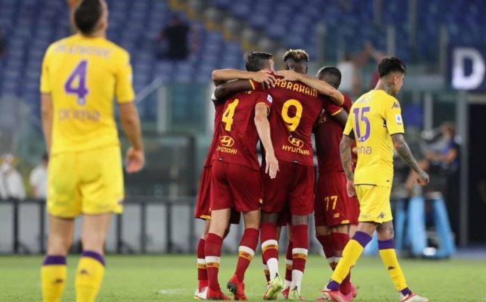 La Roma esulta contro la Fiorentina