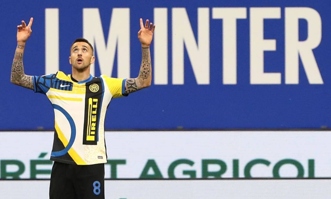 Vecino esulta con l'Inter