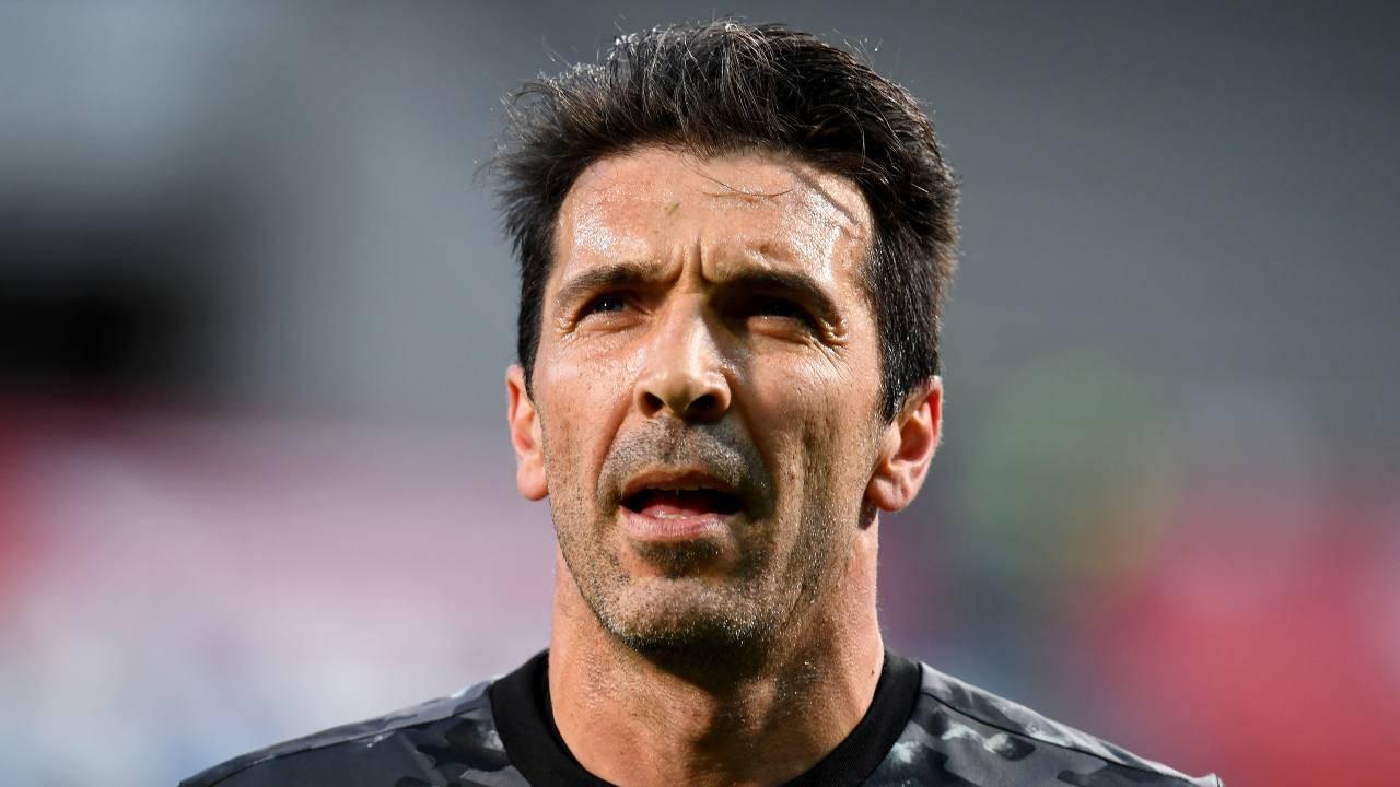 Gigi Buffon pensieroso