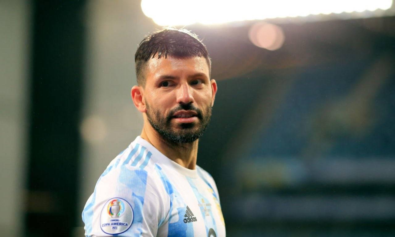 Aguero in campo con l'Argentina