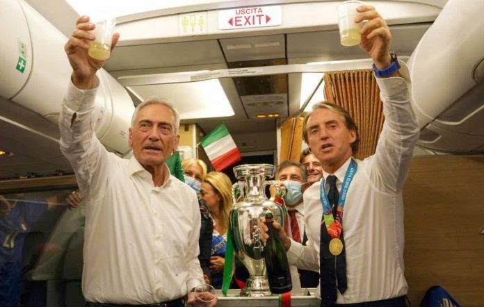 Mancini festeggia con Gravina