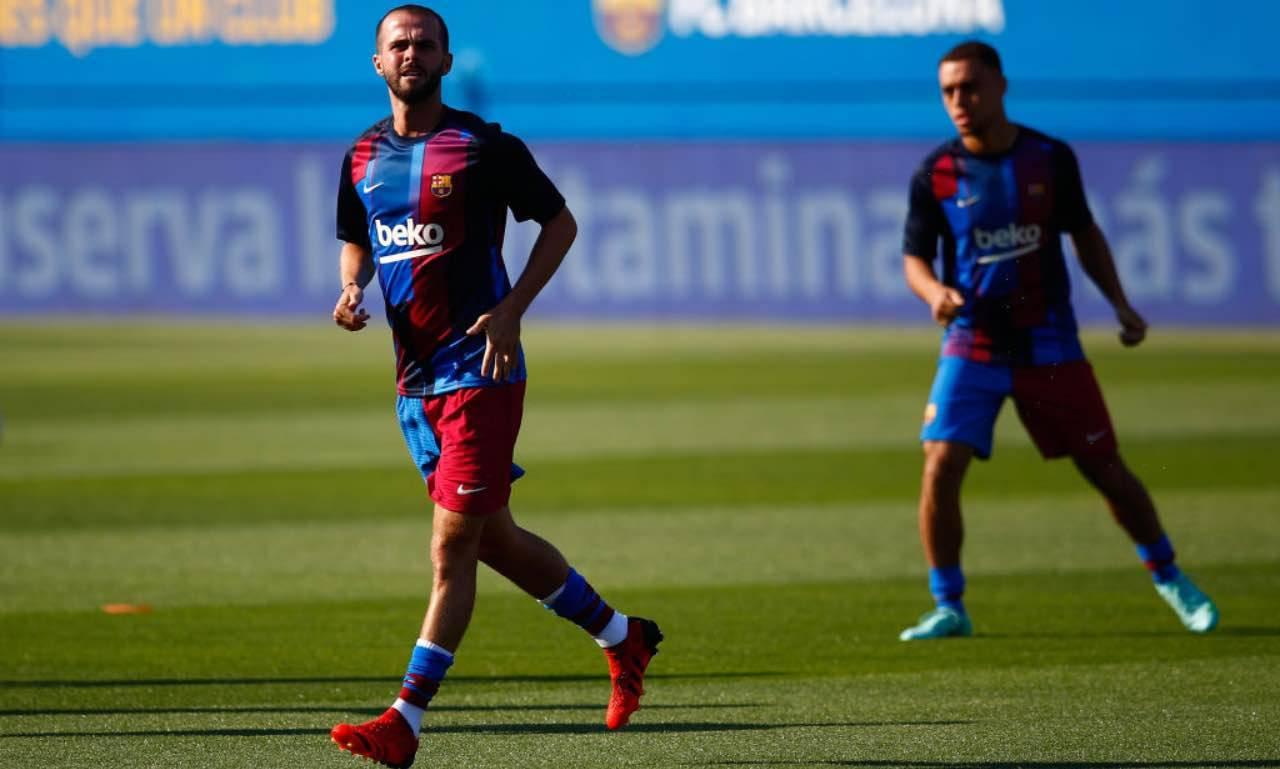 Pjanic si allena col Barcellona