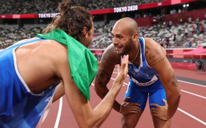 Tamberi e Jacobs festeggiano le medaglie d'oro